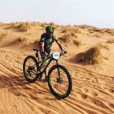 Durant la cursa que es fa pel desert del Marroc