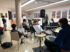 Els regidors a l'escola de música